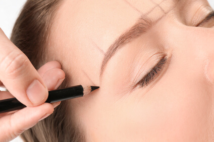 shaping eyebrow