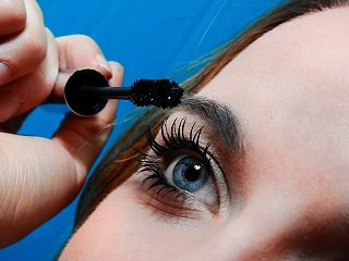 Elongate Those Lashes